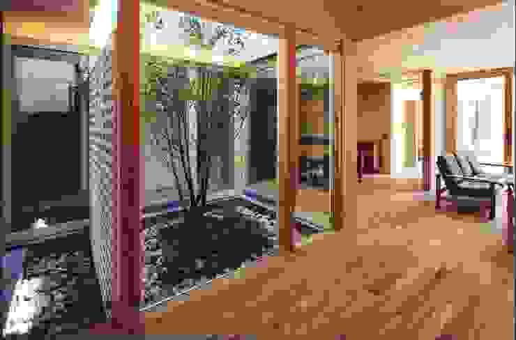 高殿の家 モダンな 壁&床 の 一級建築士事務所 有限会社NEOGEO(ネオジオ) モダン