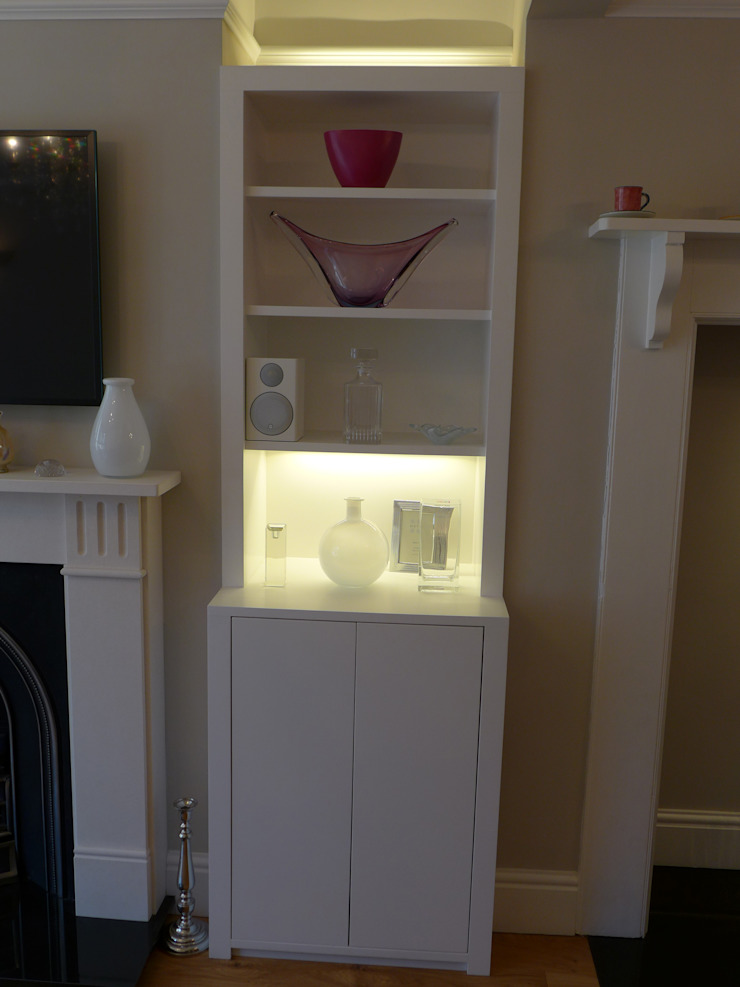 Built-in Alcove Storage Unit Style Within Moderne Wohnzimmer