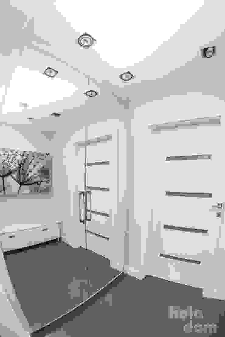 HOLADOM Ewa Korolczuk Studio Architektury i Wnętrz Minimalist dressing room