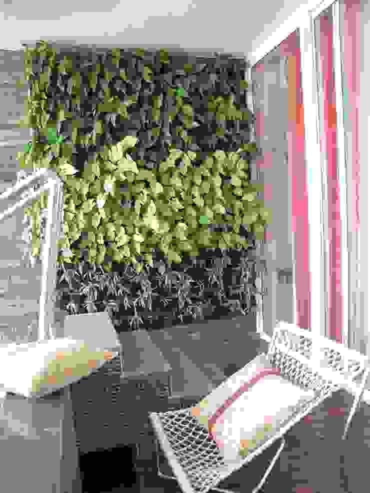 Intriguing Ikats Asian style balcony, veranda & terrace by TUNI Interiors Pvt. Ltd. Asian