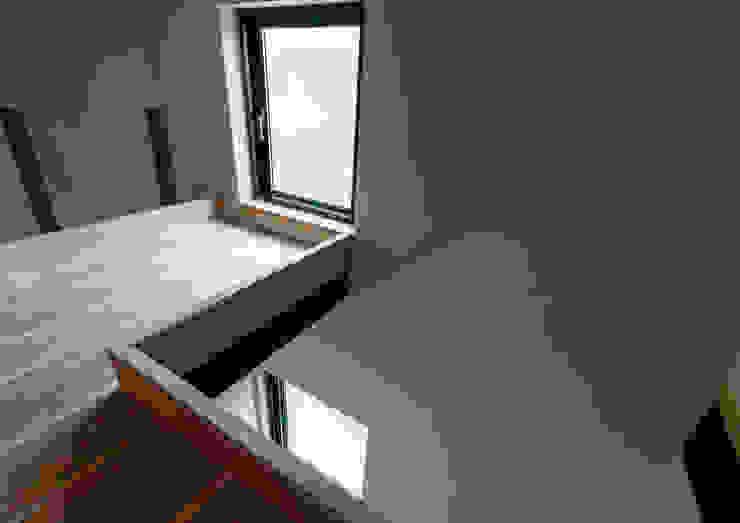 スキップフロアを使った大家族の家/みんなの家 和風デザインの 子供部屋 の 森村厚建築設計事務所 和風 木 木目調