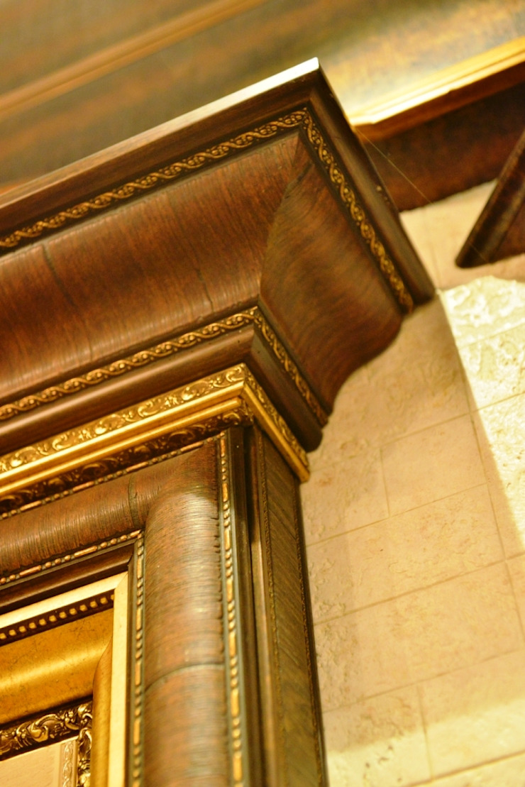 Cornice: colonial  by MARIA DECOR,Colonial