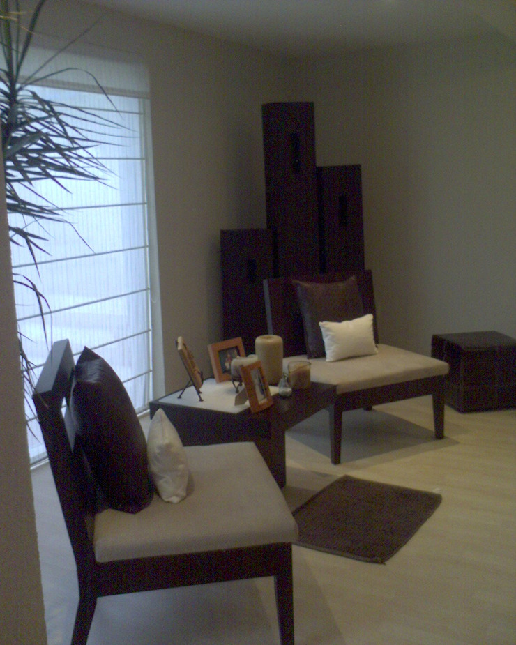 Hall Planta Baja Salones modernos de CESAR MONCADA SALAZAR (L2M ARQUITECTOS S DE RL DE CV) Moderno