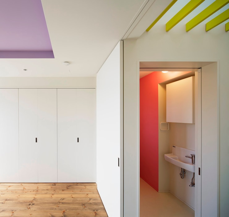 後台の家: 久保田章敬建築研究所が手掛けた浴室です。