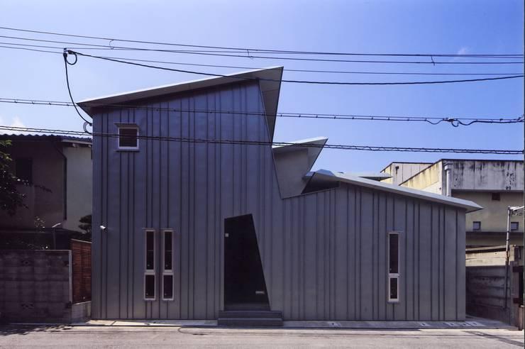 高殿の家: 一級建築士事務所 有限会社NEOGEO(ネオジオ)が手掛けた家です。