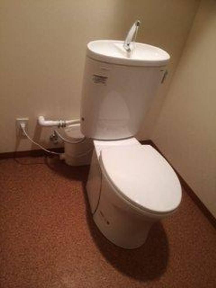 市販のトイレと組み合わせた現場写真: SFA Japan(株)が手掛けたです。