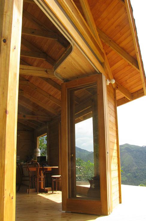 Taller de Ensamble SAS Modern Windows and Doors Wood Wood effect