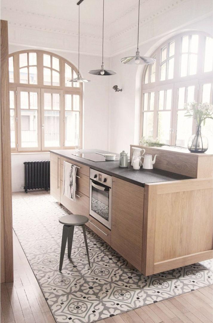Cementine e parquet in cucina cucina in stile in stile for Cementine e cucina moderna