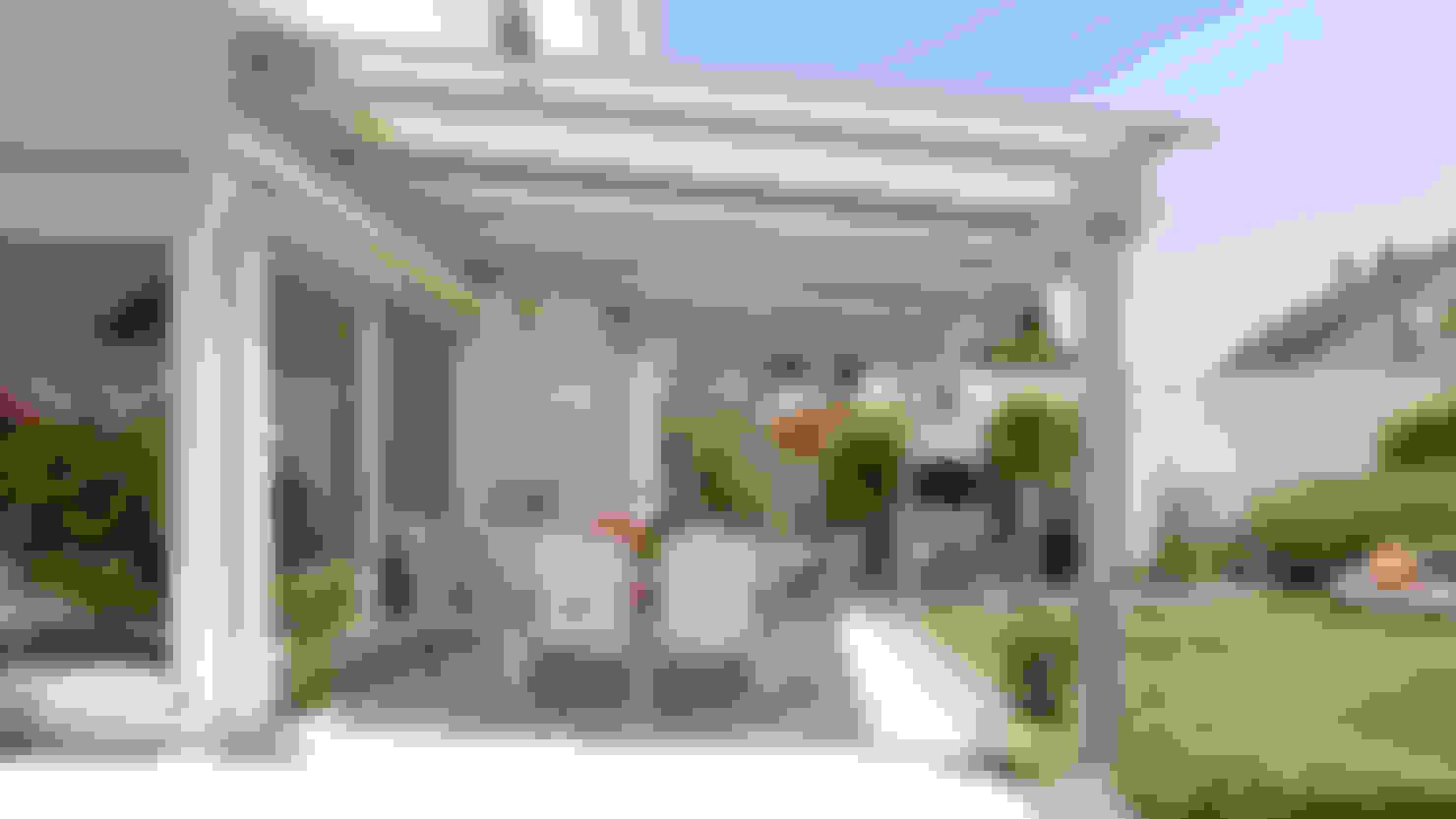 Stilvoller Sonnenschutz für die Terrasse