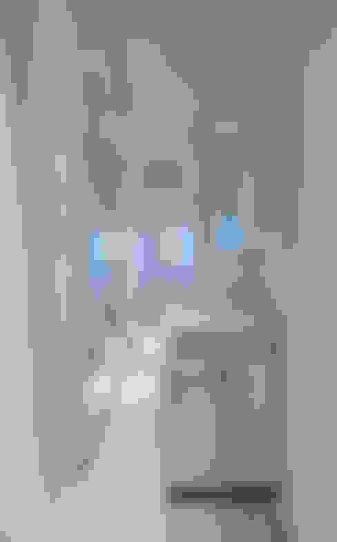 Bathroom by Simone Micheli Architectural Hero