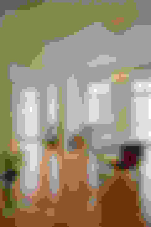 Esszimmer Altbauwohnung:  Esszimmer von Nickel Architekten