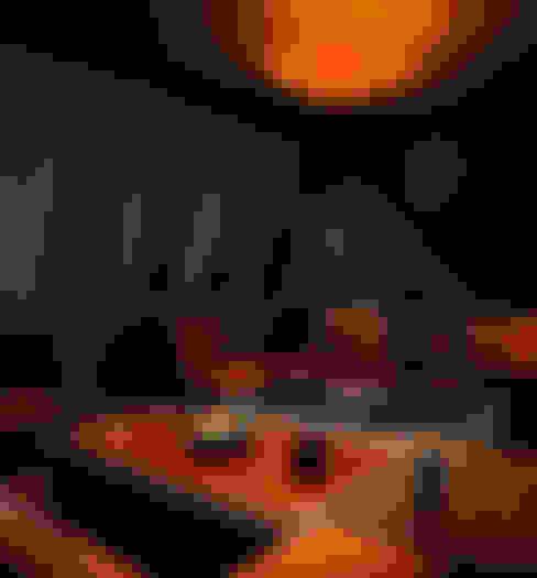 Bares e clubes  por Alma Light