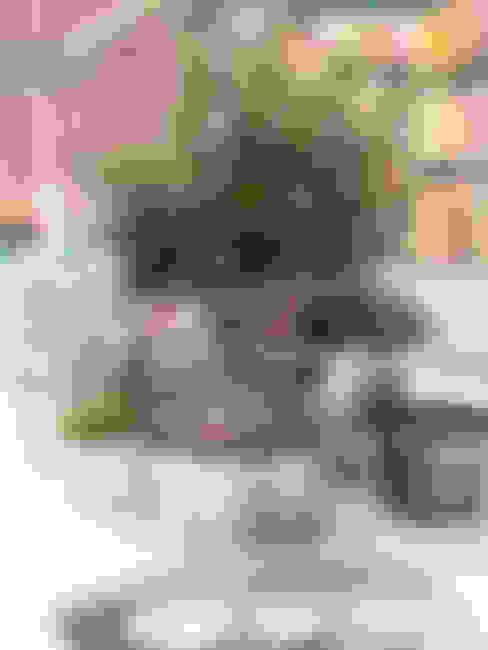 Balcones, porches y terrazas de estilo  por www.rocio-olmo.com