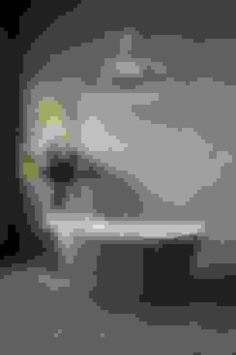 Bathroom تنفيذ Aston Matthews