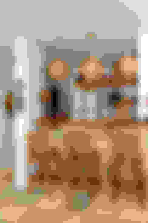 Adegas  por Isnara Gurgel - Arquitetura + Interiores