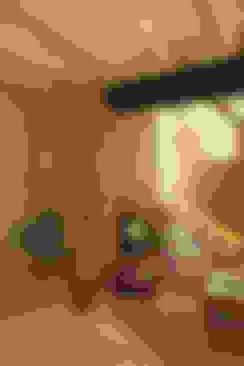 Sala de estar  por OutSide BCN LED Lighting