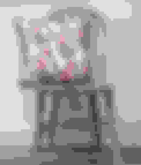 Trailing Flower Cushion:  Bedroom by Occipinti