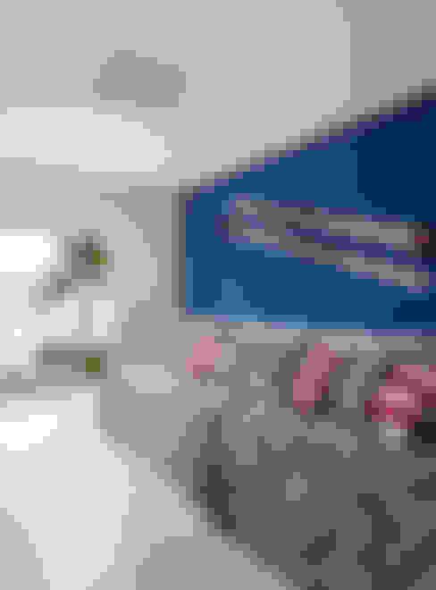 Wohnzimmer von Escala Arquitetura