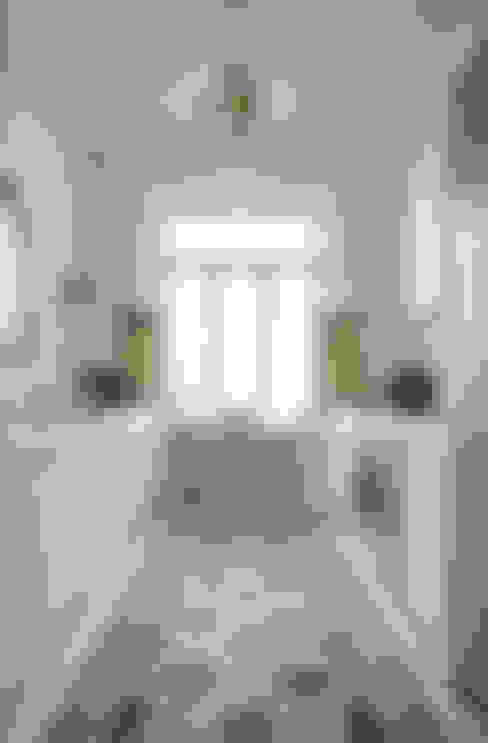 Walls & flooring تنفيذ Original Features