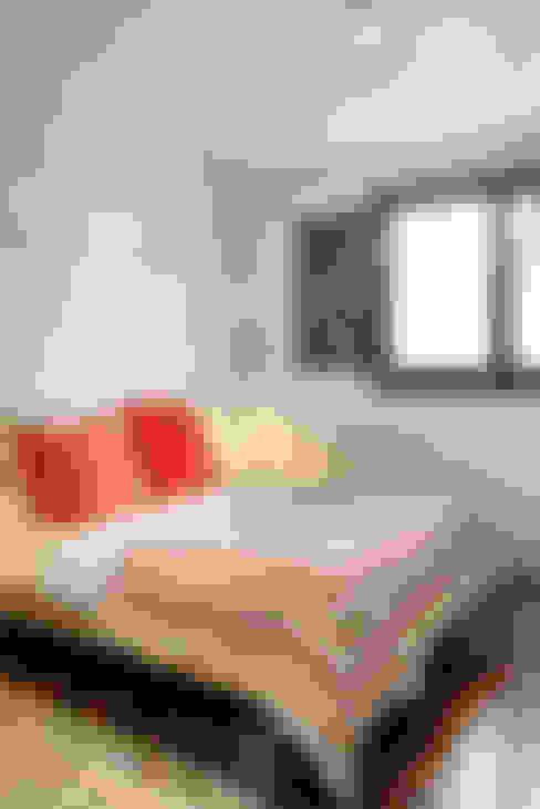 Спальни в . Автор – HOUSE HABITAT