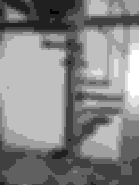 sécurisation pour escalier Tallon: Escalier de style  par ATELIER MACHLINE