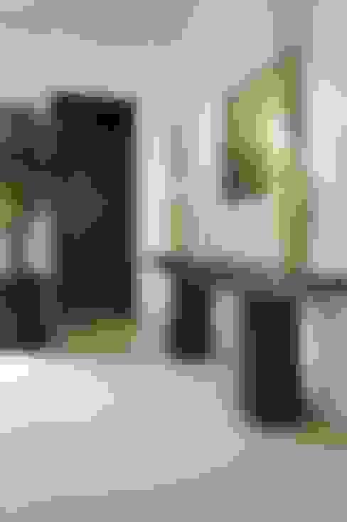 Pasillos y vestíbulos de estilo  de Marmoles ARCA