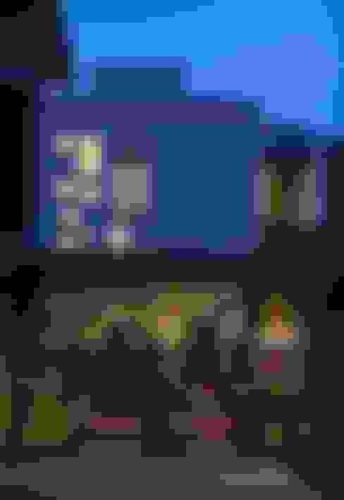 Casas de estilo  de HYLA Architects