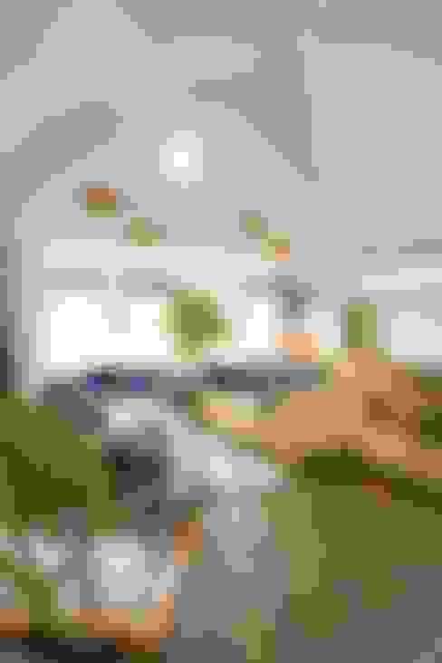 غرفة المعيشة تنفيذ Coast2Coast Architects