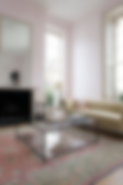 Madison Coffee Bronze:  Living room by Tom Faulkner