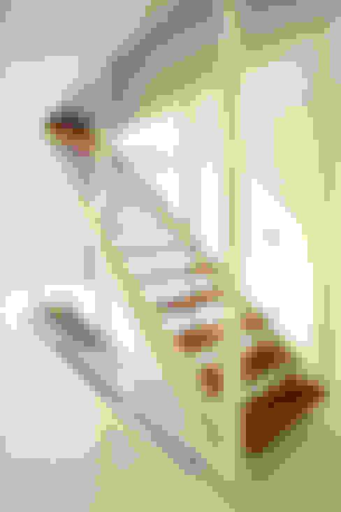 Corridor & hallway by 123DV Moderne Villa's