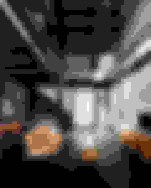 ห้องนั่งเล่น by 石井智子/美建設計事務所
