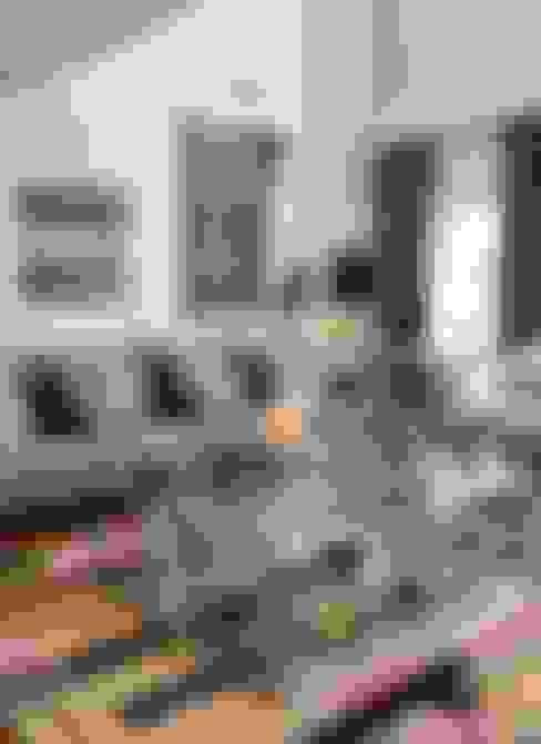 HANDE KOKSAL INTERIORS – House E - E Evi:  tarz Oturma Odası