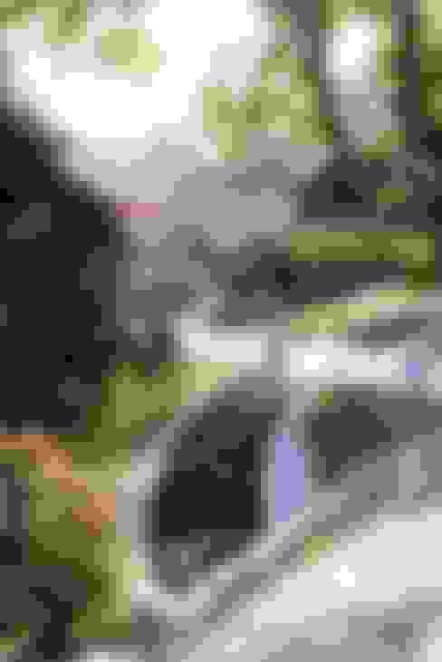 HANDE KOKSAL INTERIORS – House E - E Evi:  tarz Bahçe