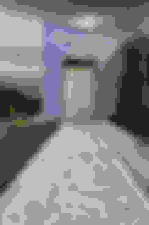 أبواب رئيسية تنفيذ Matteo Gattoni - Architetto