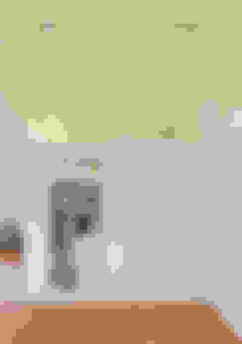 Corridor, hallway by Möhring Architekten