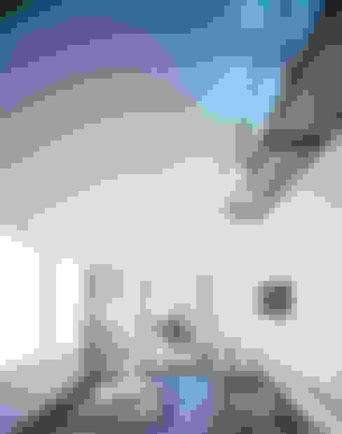 Livings de estilo  por 高橋直子建築設計事務所