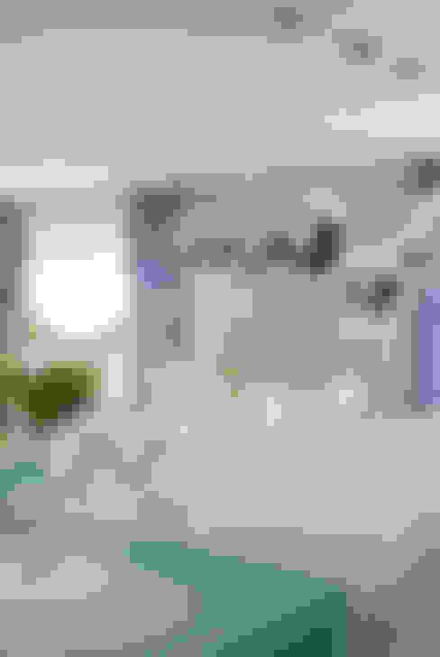 Apartamento Colorido - Depois: Salas de jantar  por Brunete Fraccaroli Arquitetura e Interiores