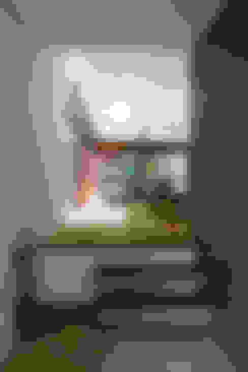 玄関ホール~029那須Hさんの家: atelier137 ARCHITECTURAL DESIGN OFFICEが手掛けた廊下 & 玄関です。
