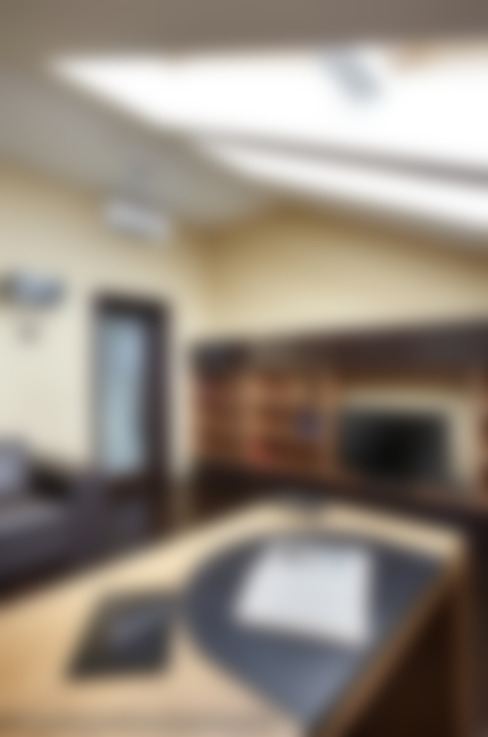 Загородный дом в коттеджном поселке «Красная горка» - 235 м² : Рабочие кабинеты в . Автор – Ольга Кулекина - New Interior