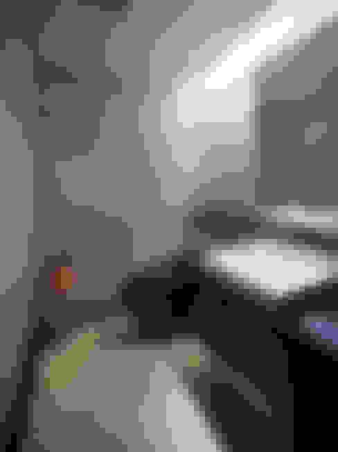 Ванные комнаты в . Автор – Atelier HARETOKE Co., Ltd.