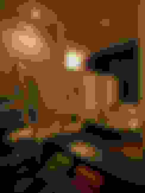 中二階が繋ぐ家: 富谷洋介建築設計が手掛けた子供部屋です。