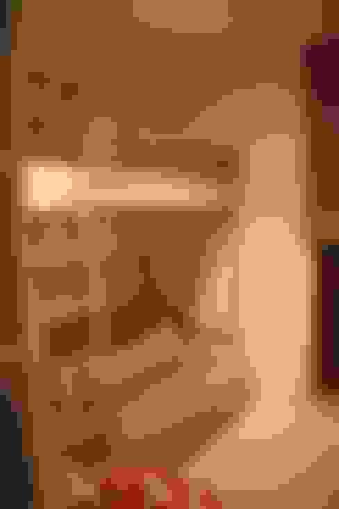 Pokój młodzieżowy: styl , w kategorii Pokój dziecięcy zaprojektowany przez Comfort & Style Interiors