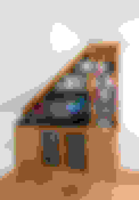 Projekty,  Salon zaprojektowane przez Martin Greshoff Furniture
