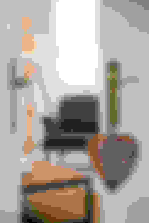 Salas de estar  por Home Staging Factory