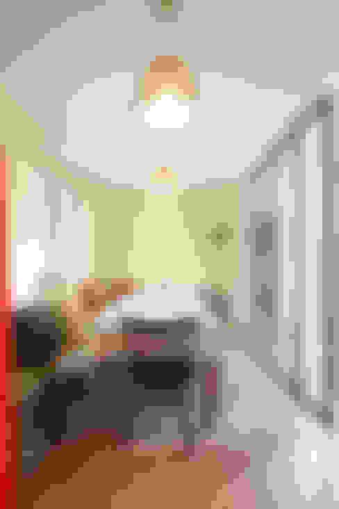 Phòng ăn by 주택설계전문 디자인그룹 홈스타일토토