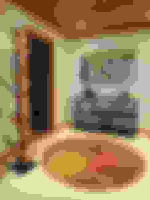 Pasillos y recibidores de estilo  por Traço Magenta - Design de Interiores