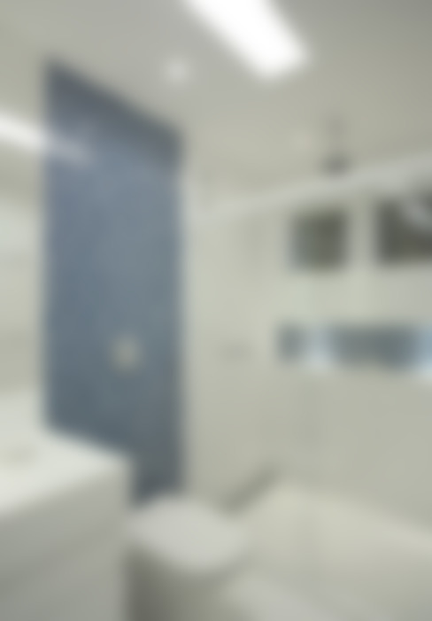 Casa Jardim Ubá VM: Banheiros  por Amanda Miranda Arquitetura
