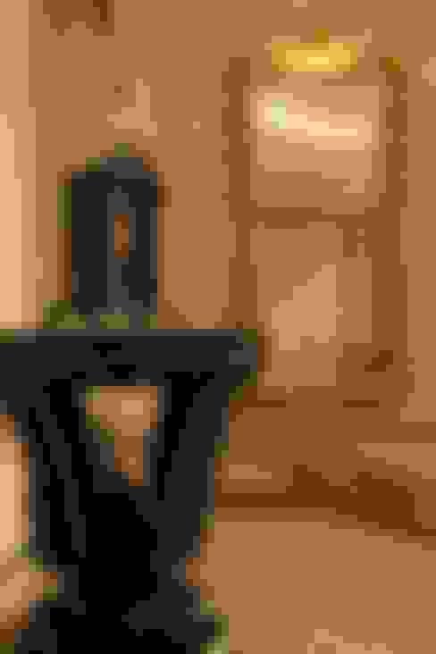 Пурпурное  настроение: Коридор и прихожая в . Автор – Studio B&L