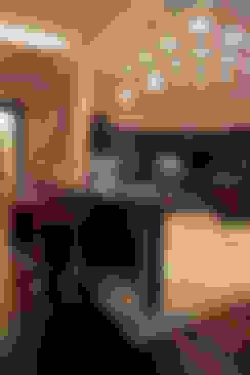 Пурпурное  настроение: Кухни в . Автор – Studio B&L