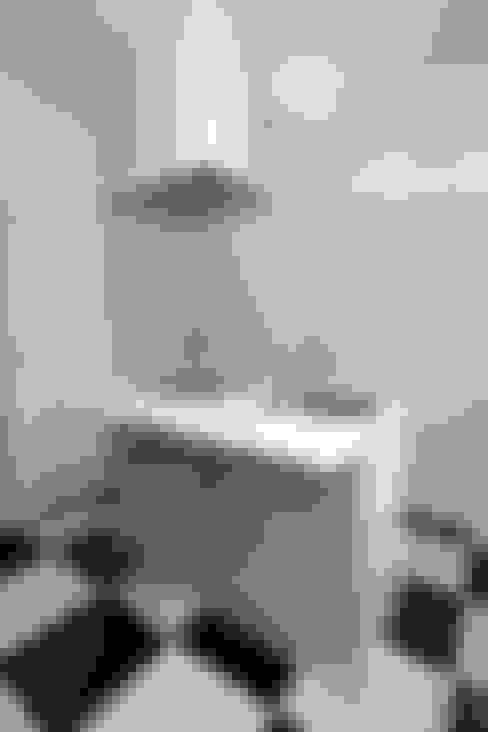 مطبخ تنفيذ 鈴木賢建築設計事務所/SATOSHI SUZUKI ARCHITECT OFFICE